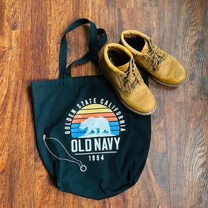 Old Navy book bag🖤